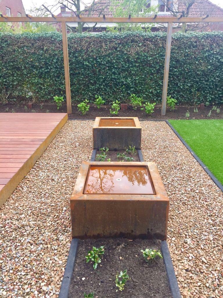 Waterpartij in tuin Eindhoven